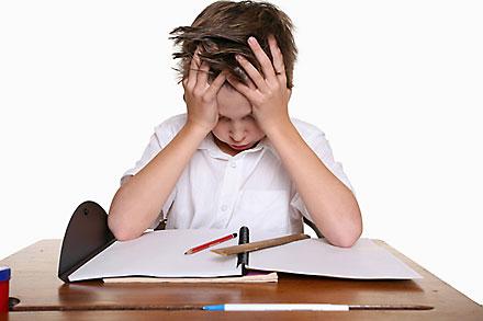آفتهای شبکه های اجتماعی آسیبهای شبکه های اجتماعی فضای مجازی بر کودکان تأثیر تربیت فرزند راهکاری تربیتی فضای مجازی و استفاده از شبکه های اجتماعی